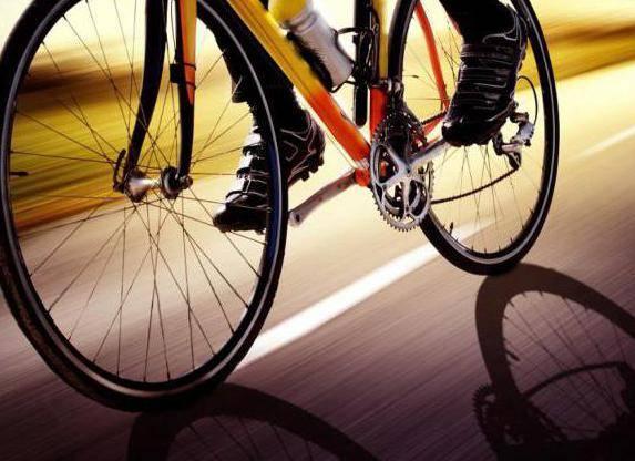 Как накачать велосипед ручным насосом