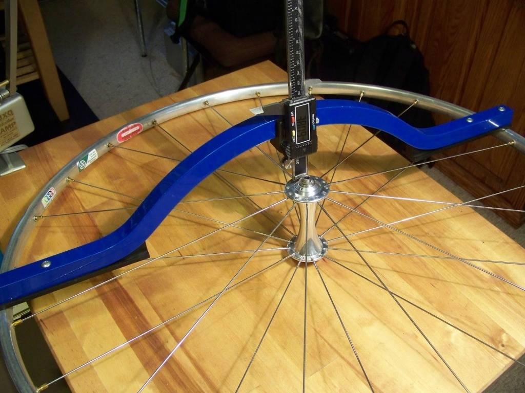 Как выровнять обод на велосипеде