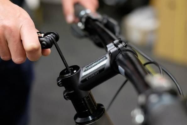 настройка высоты руля велосипеда