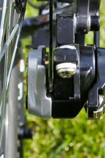 Нормальное расположение ротора между колодок