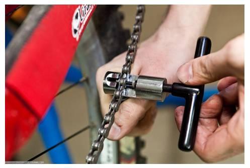 Снятие цепи с велосипеда выжимкой