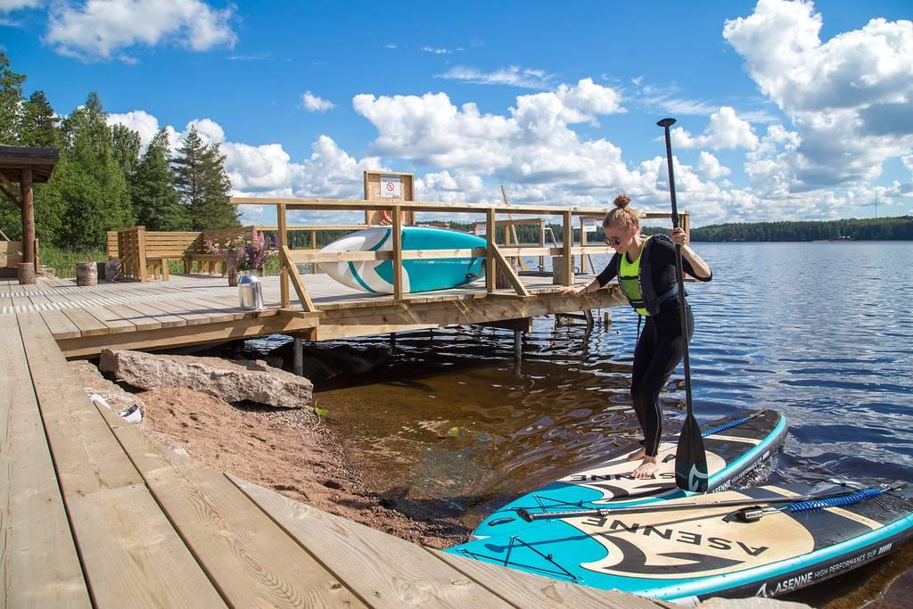 Доска для серфинга с веслом