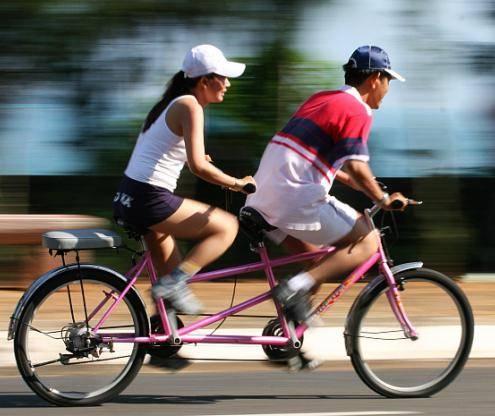 двухместный трехколесный велосипед
