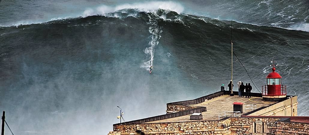 Nazare. Фото: thelens.surfstitch.com