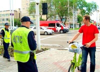 Может ли велосипедист ехать по тротуару