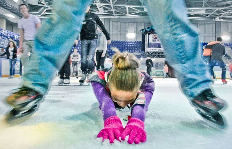 Уроки катания на коньках