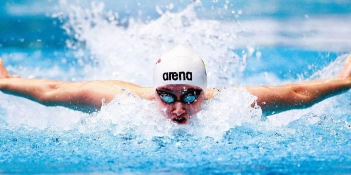 Как научить плавать