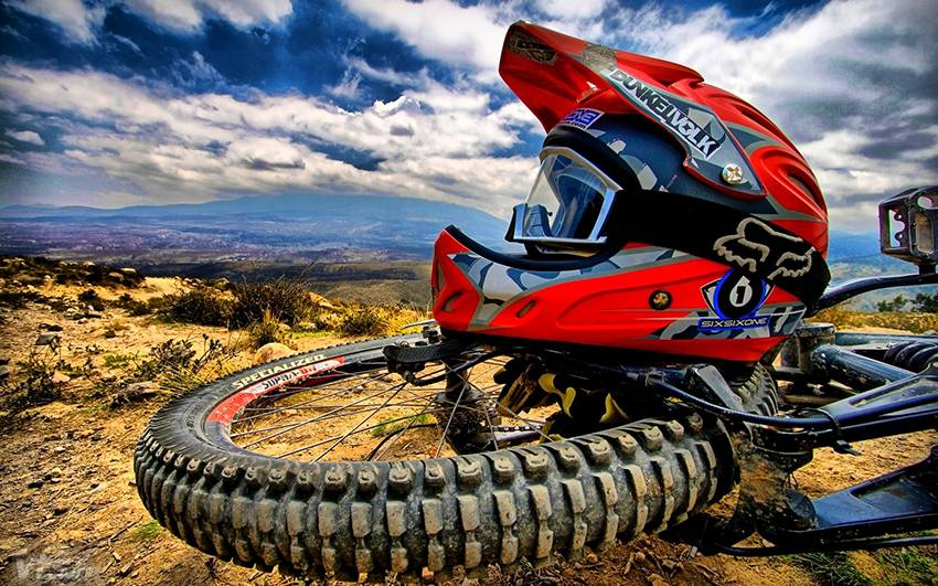 downhill-helm-wallpaper-image-downhill-bike-wallpaper-widescreen-1920x1080-skiing-desktop-longboarding-skateboarding