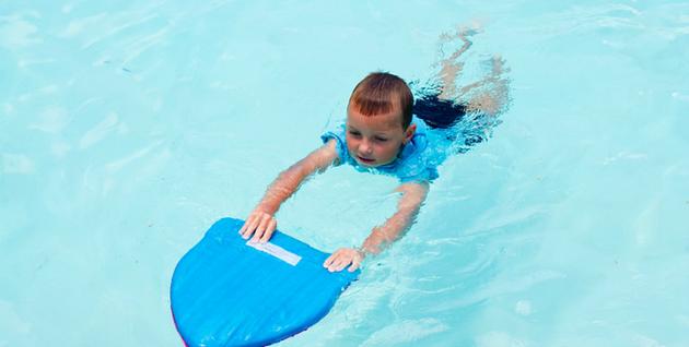 Как научить плавать ребенка 6 лет