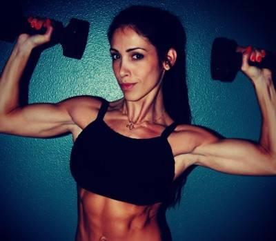 Грудные мышцы в домашних условиях