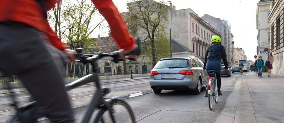 Дистанция между велосипедистом и автомобилистом по ПДД