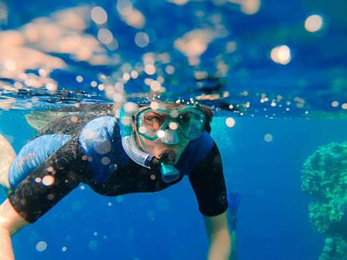 Как правильно плавать с маской и трубкой