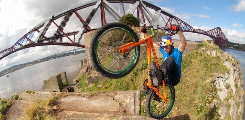 Трюки на скоростном велосипеде