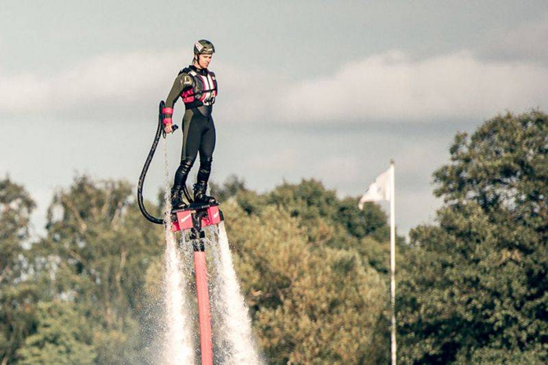 Jon-olsson-flyboard-water-jet-pack-flying-sweden-80941