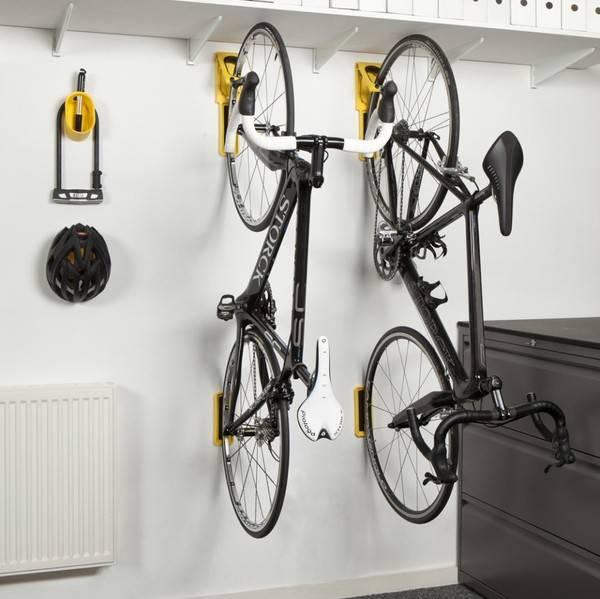 Как закрепить велосипед на стене