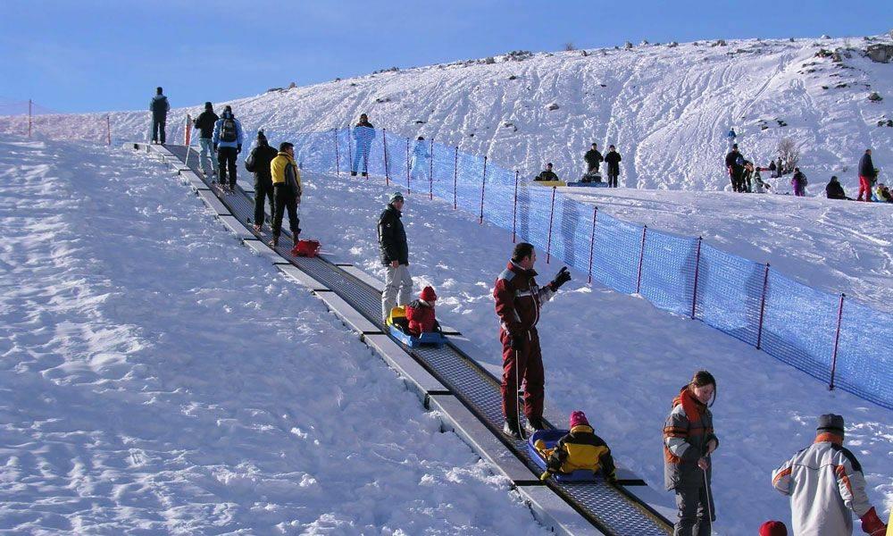 Подъемник на горнолыжном курорте