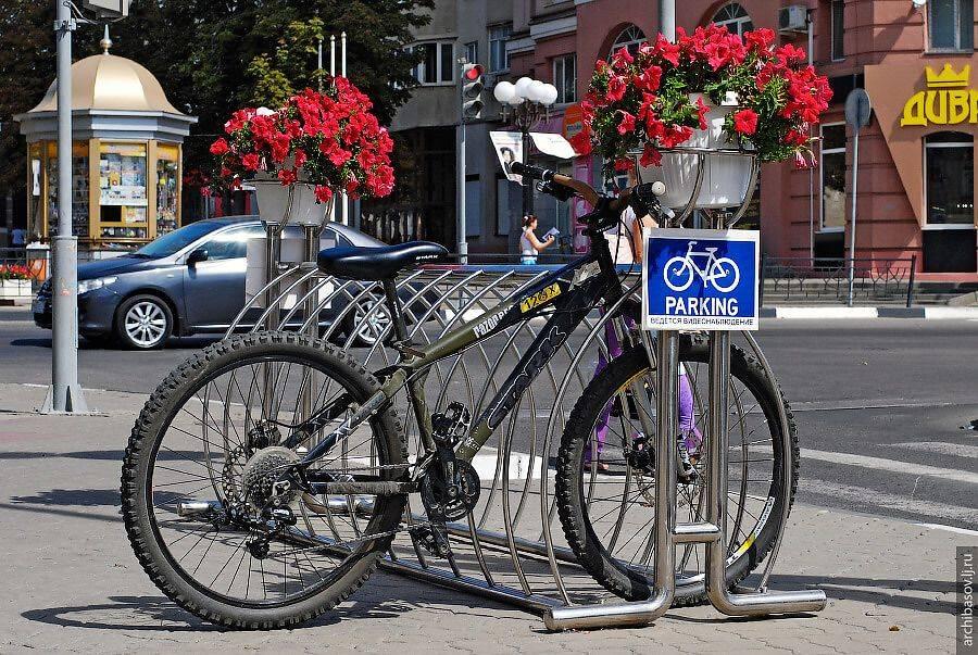 Езда по тротуару на велосипеде