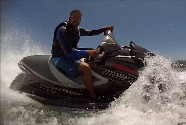 Водный мотоцикл стоячий