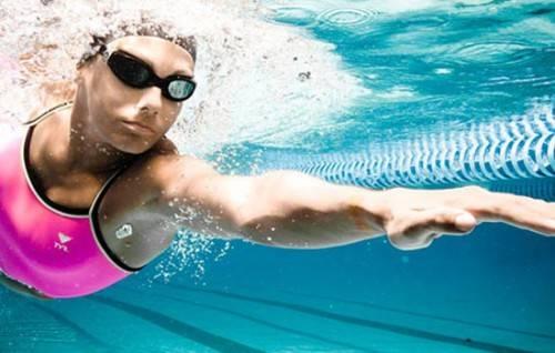 Как взрослому человеку научиться плавать