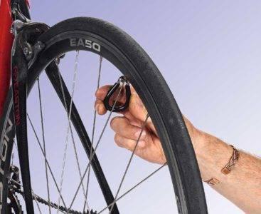 Как выровнять восьмерку на велосипеде