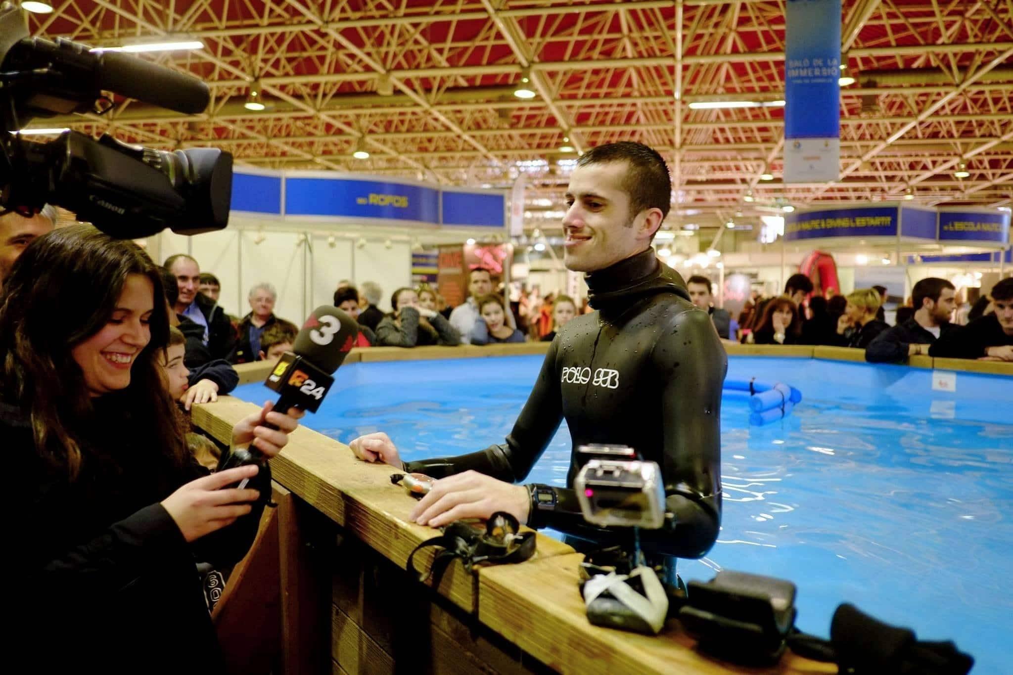 Рекорд под водой без дыхания