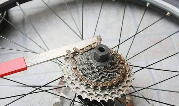 Снятие кассеты велосипеда