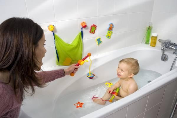 Обучение младенцев плаванию